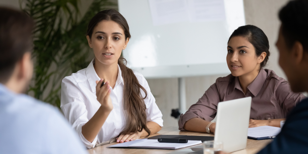 como-debatir-en-una-reunion-de-trabajo